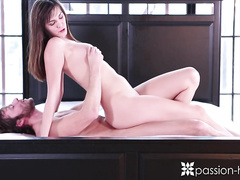 Brown haired beauty chick Holly Michaels does a luxurious deepthroat blowjob